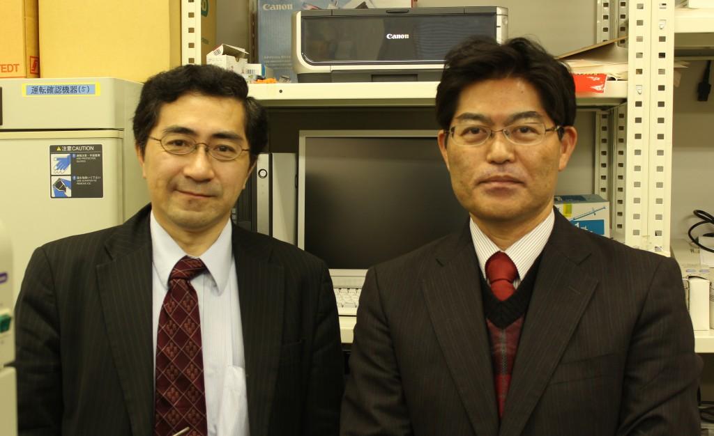 (左)佐藤均氏、(右)新垣実氏