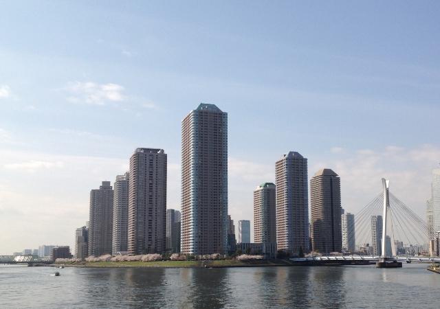 超高層マンションが林立する東京湾岸地域(撮影=岡本正)