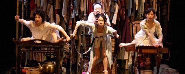 『三人姉妹』2003-04年 筆者が初めて触れた地点作品 撮影:青木司
