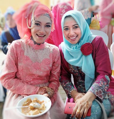 -ヒジャブを着けた女性たち(撮影:大形里美)