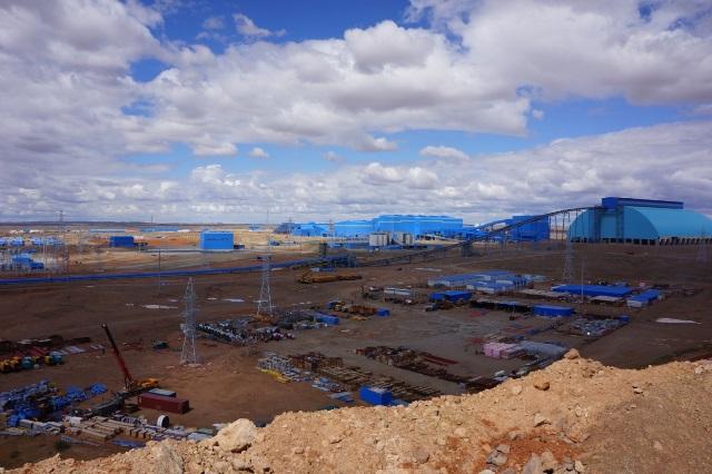 オユートルゴイ鉱山