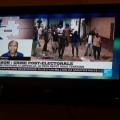 大統領選後の騒乱を報道するテレビ番組(ホテルにて撮影)