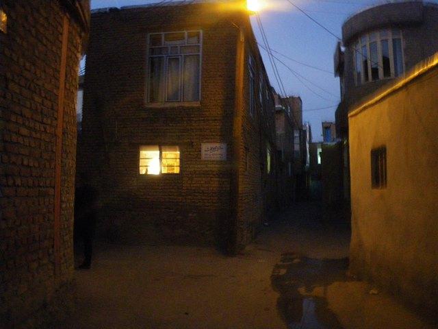 旧市街にあるヘームン文学館近くの小路(筆者撮影)