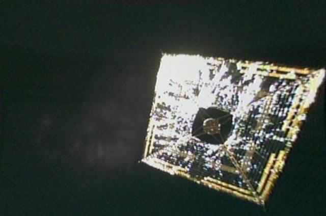 図2 宇宙で撮影されたIKAROSの全景写真 [2]