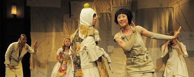 『はだかの王様』2012年 地点初の子ども劇 撮影:阿部綾子