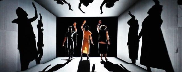 『光のない。』2012年初演 今年10月再演される  撮影:松本久木